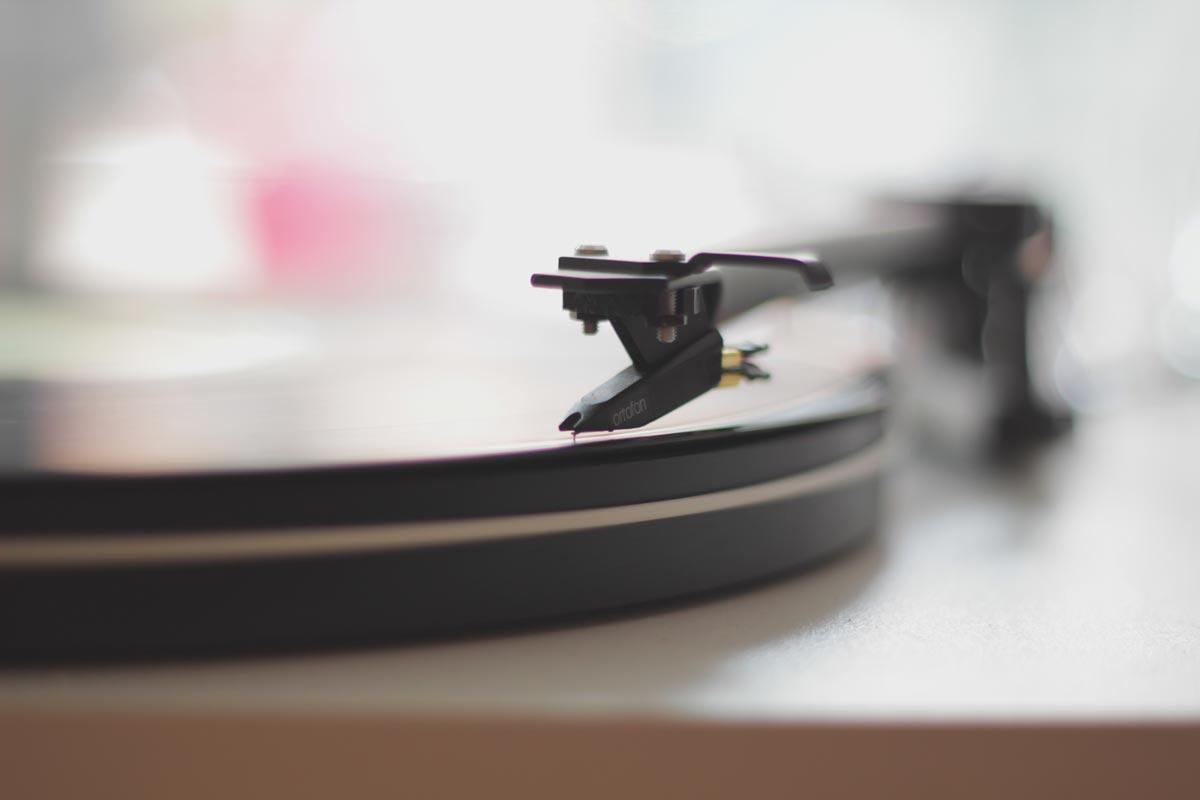 vintage-technology-old-sound