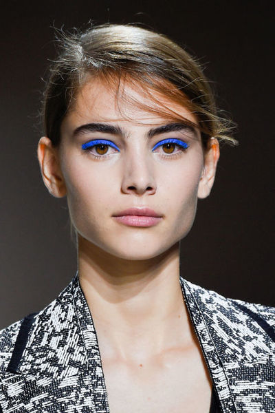 extra_large_hbz-ss2016-trends-makeup-blue-eyes-boss-clp-rs16-0954