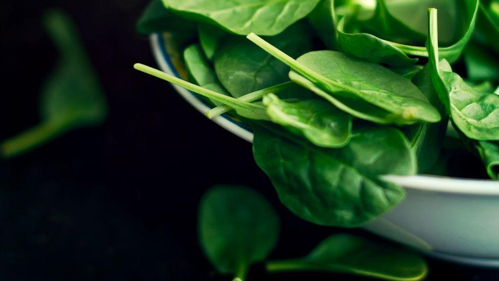 1463425699-9-spinach-getty-calvert-byam-wdy0416