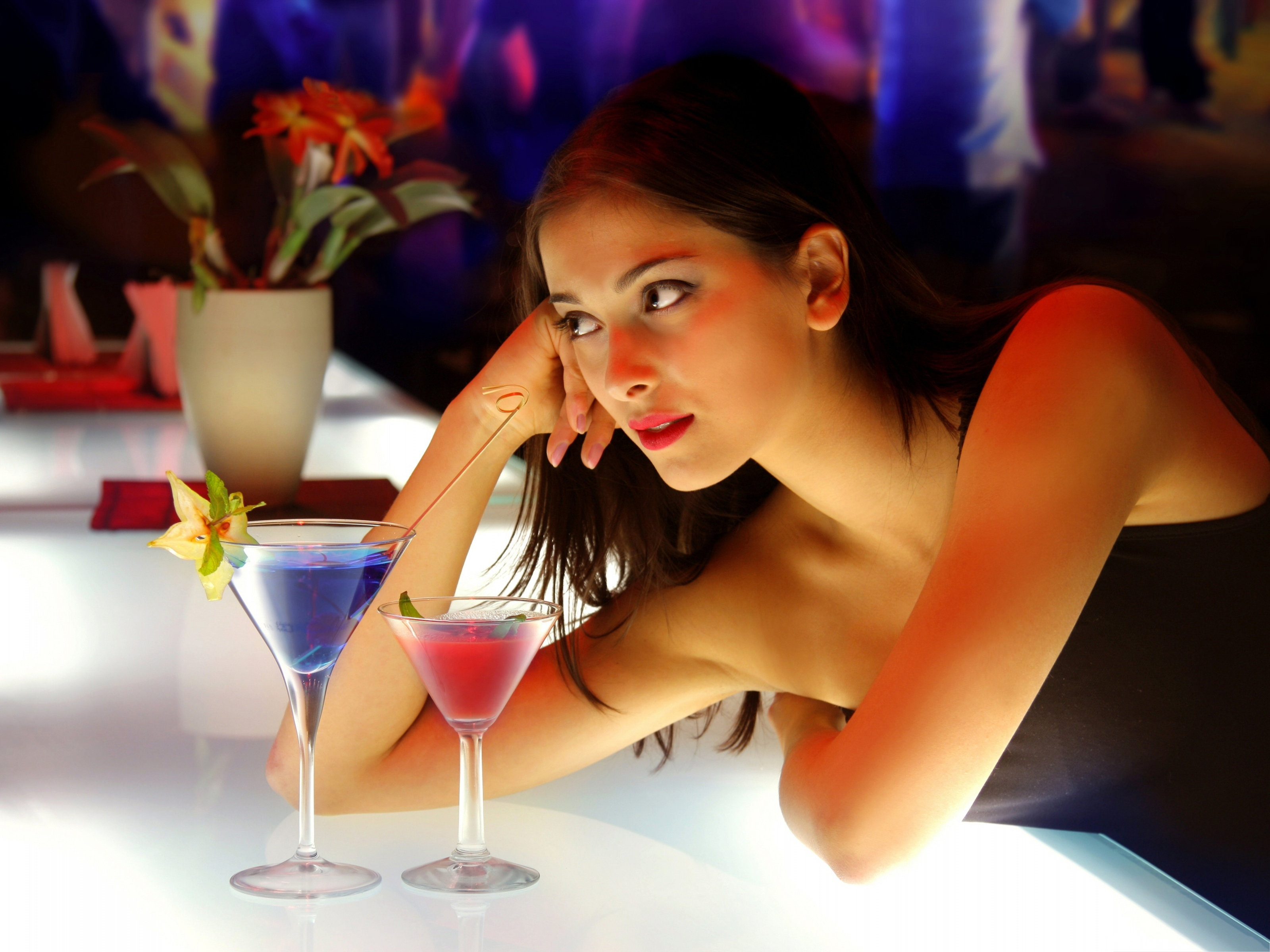 Girl-And-Cocktails-Beautiful-Girl-and-Good-Drinks-Both-Appealing