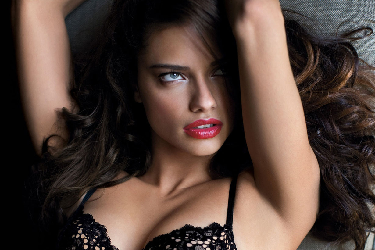 adriana-lima-love-magazine-advent-0