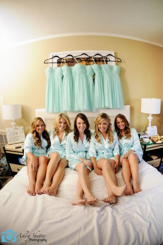 20-must-take-wedding-photos-with-your-bridesmaids-ashley-shutter-photography-333x500