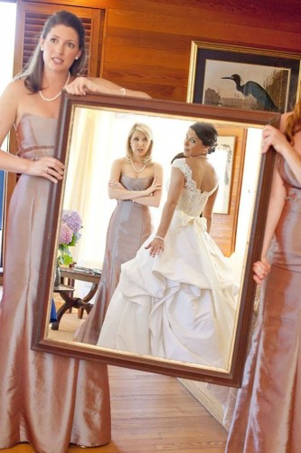 20-must-take-wedding-photos-with-your-bridesmaids-captured-by-kate-333x500