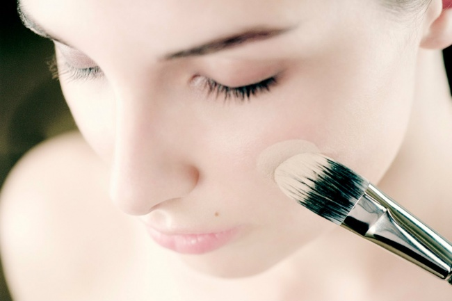 220455-makeupfoundation-650-1324c18405-1471855309