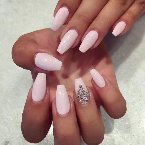 hbz-nail-shapes-bellasnailsandspa_ballerina