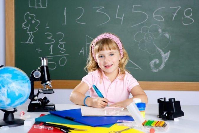 652x450_143436-amintiri-din-copilarie-10-vedete-in-prima-zi-de-scoala