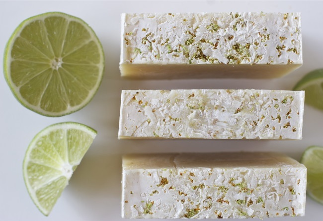 917555-coconut-lime-soap-4-650x445-650-7b6d4a01e8-1480063762