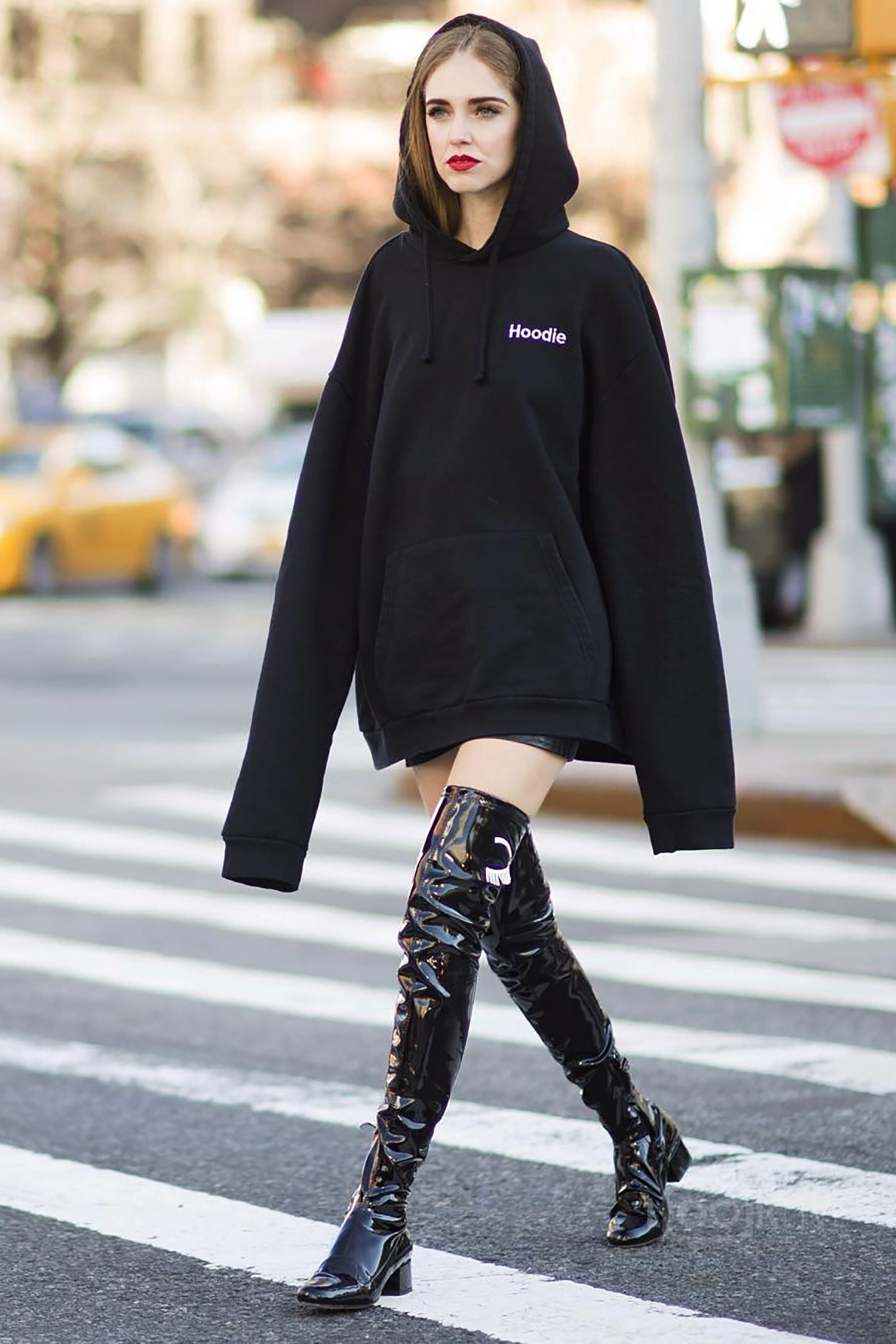 chiara-ferragni-hoodie-street-style