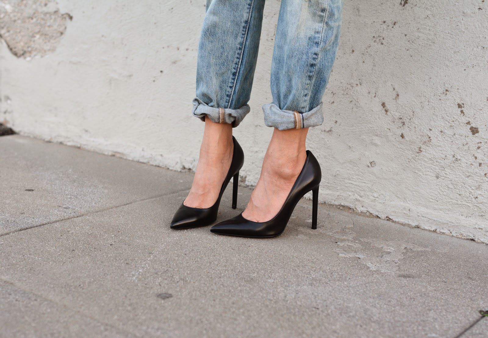 classic-black-pumps-in-style